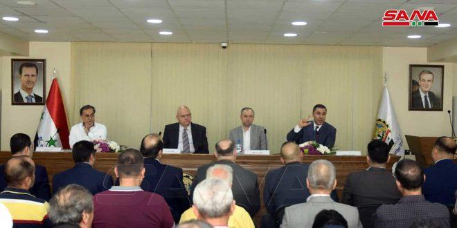 الوزير سالم: دعم الصناعيين وتخصيص حلب بـ 12 طناً من الخميرة الطرية